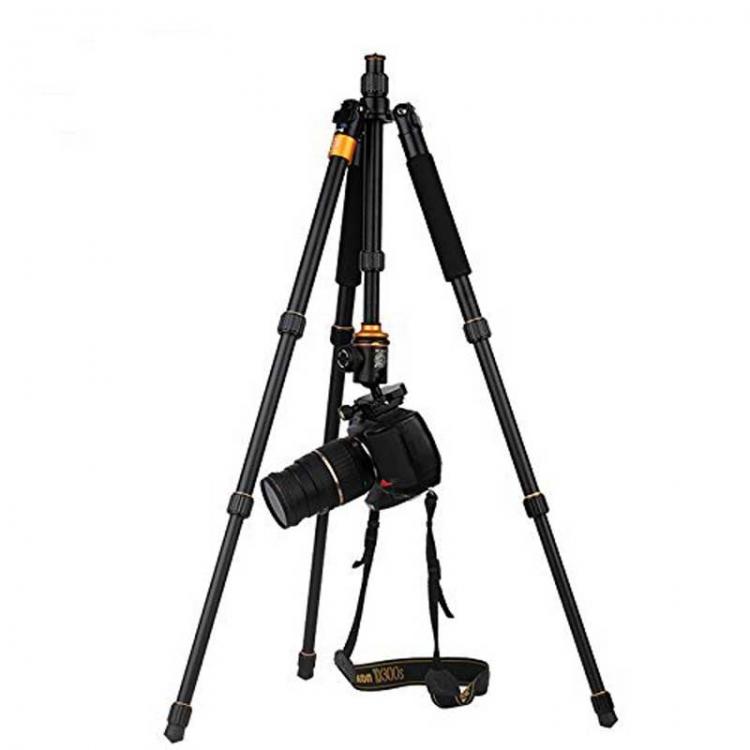 سه پایه دوربین نیمه حرفه ای Q999S with Ball Hed
