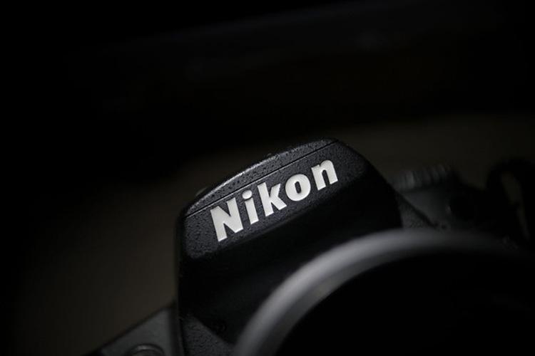 نیکون دوربین بدون آینه و فول فریم می سازد!