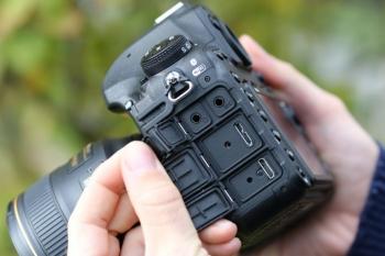 نقد و بررسی دوربین نیکون d850