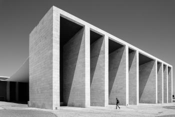 دوربین مناسب عکاسی معماری