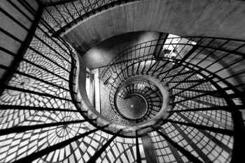 عکاسی از پله مارپیچ