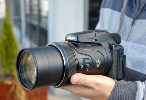 مقایسه دوربین کانن SX70 با دوربین نیکون P1000