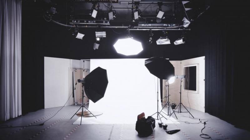 تجهیزات نورپردازی استودیو عکاسی