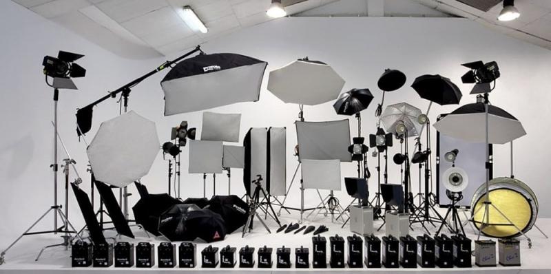 تجهیزات نورپردازی استودیویی