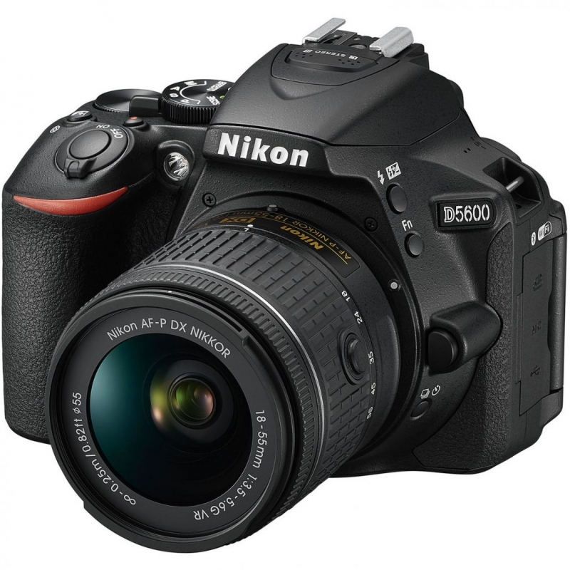 دوربین عکاسی نیکون Nikon D5600 با لنز  ۱۸-۵۵(کارکرده)