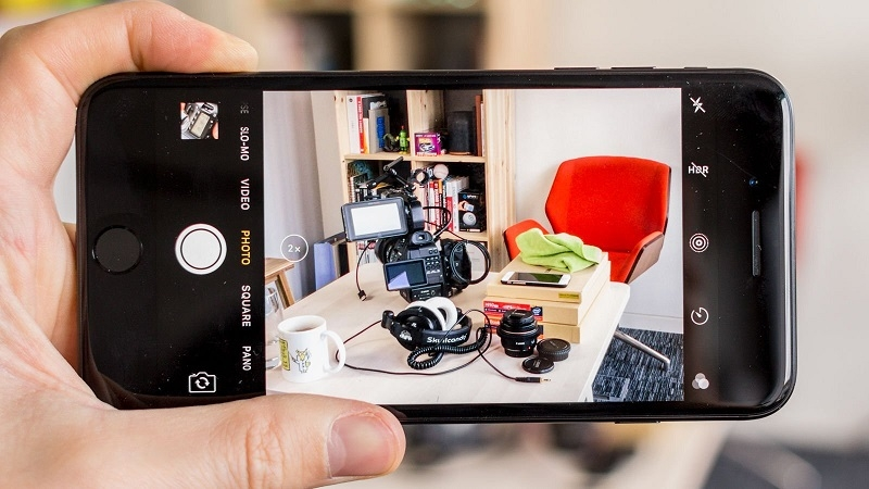 دوربین DSLR یا گوشی