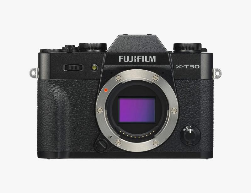 دوربین فوجی فیلم X-T30 یکی از بهترین دوربینهای مسافرتی