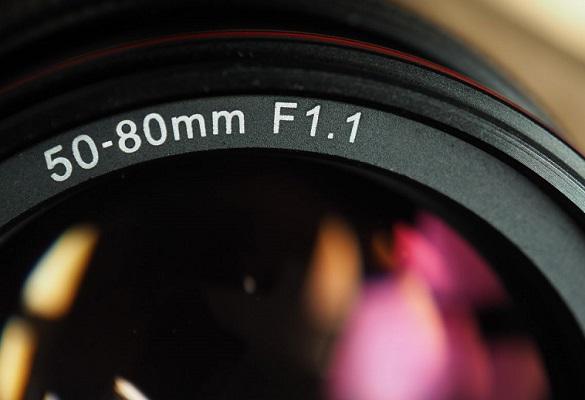 کانن بر روی لنز ۸۰-۵۰ میلیمتری f/1.1 برای مانت RF کار میکند