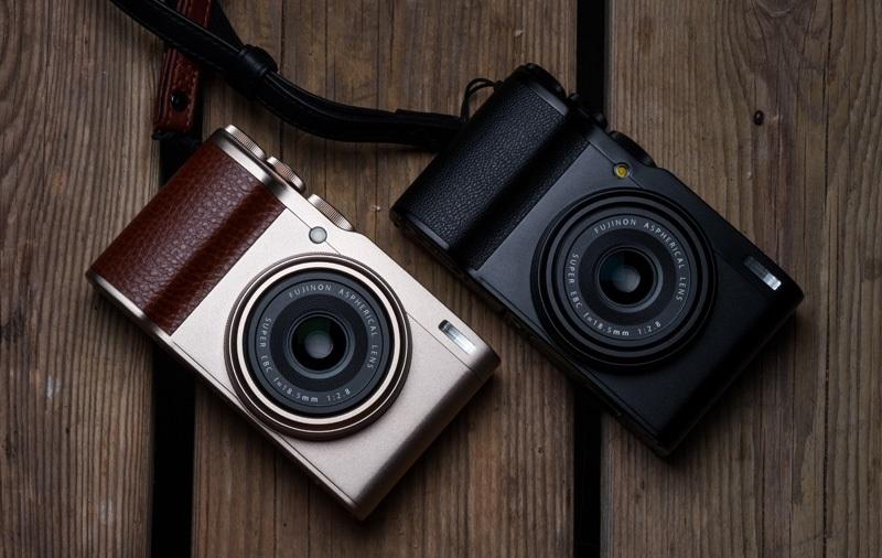 دوربین فوجیفیلم XF10